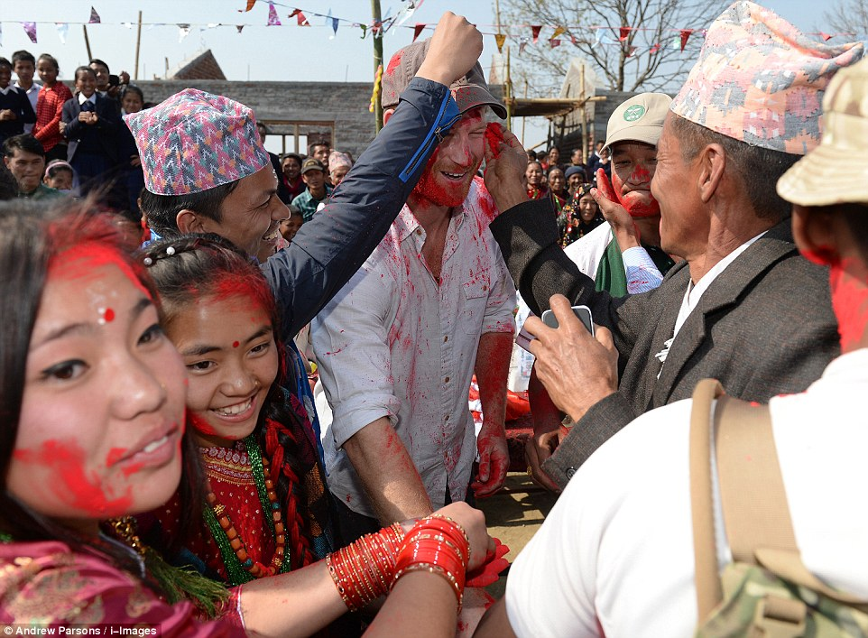 Prince Harry celebrate holi in nepal1