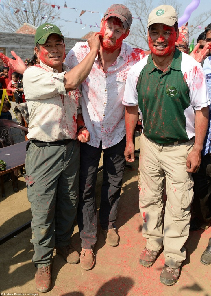 Prince Harry celebrate holi in nepal11