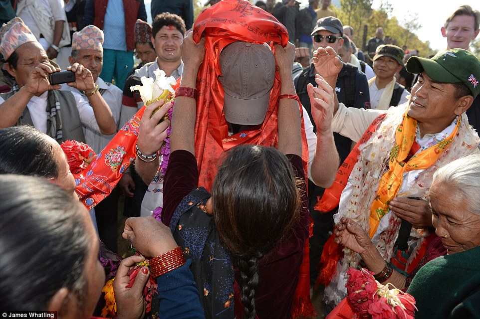 Prince Harry celebrate holi in nepal15