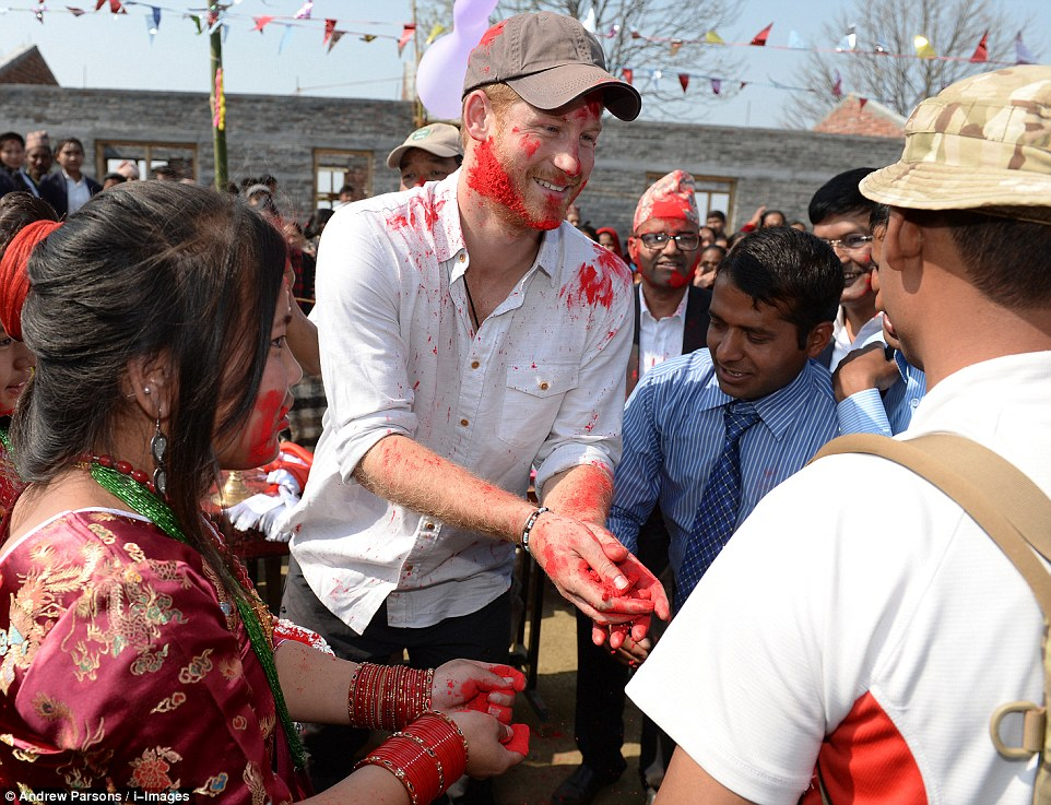 Prince Harry celebrate holi in nepal16