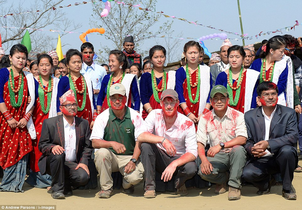 Prince Harry celebrate holi in nepal20