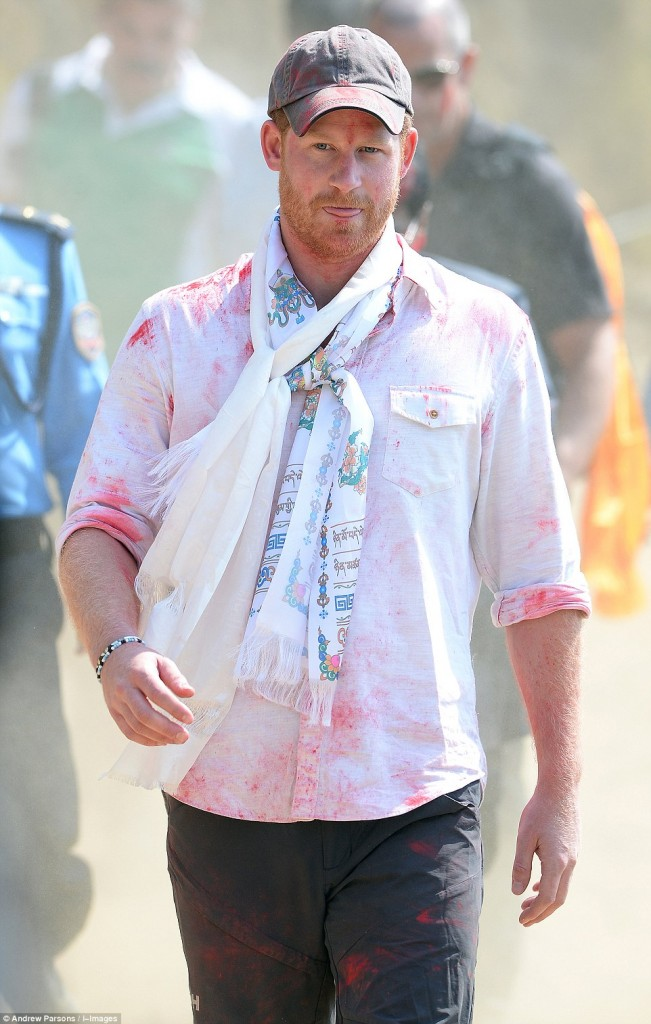 Prince Harry celebrate holi in nepal21