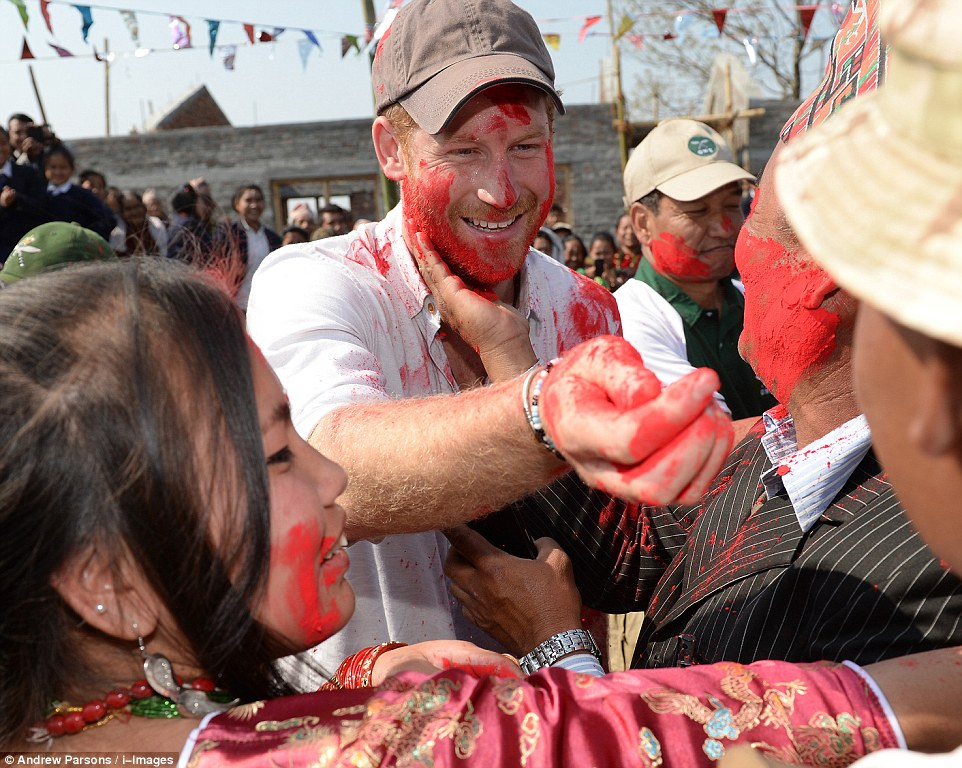 Prince Harry celebrate holi in nepal22