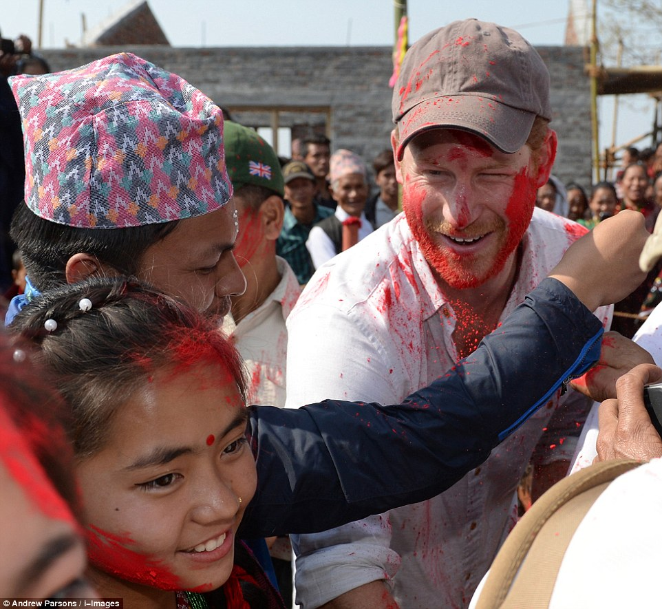 Prince Harry celebrate holi in nepal23