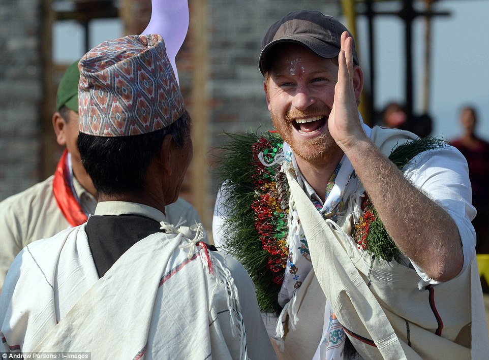 Prince Harry celebrate holi in nepal25