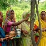 पिपलान्त्री गाँव द्वारा शुरू की गई अनूठी पहल, जिसमे बेटी के जन्म पर ग्रामवासी 111 वृक्षों का रोपण करते है.