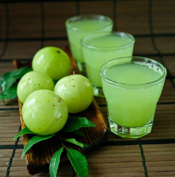 Amazing-health-benefits-of-amla-juice3