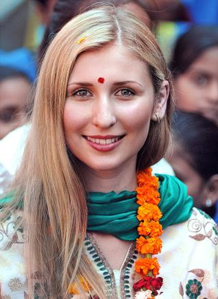 claudia ciesla converted to hinduism1
