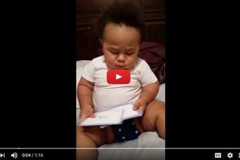 19 माह का बच्चा कैसे फटाफट अंग्रेजी के शब्द पढता है जरा विडियो में देखिये