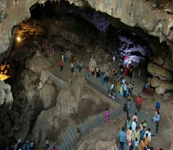 10-world famous caves tamples