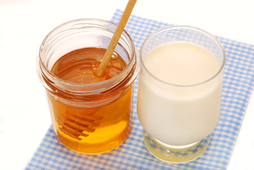 milk-and-honey-benefits-for-health