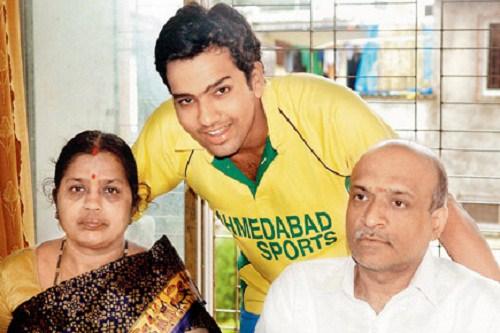 Rohit sharma, Wife, Family, photos, Biography in hindi