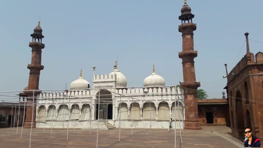 Moti Masjid in hindi
