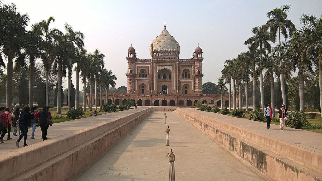 Safdarjung Tomb / Safdarjung Ka Makbara in hindi